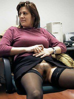 New Y. reccomend Candid milf upskirt