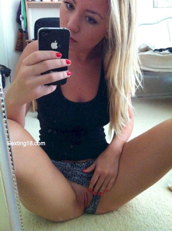 Nackt kik girls Find Sexting