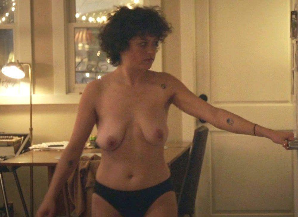 Shawkat nackt Alia  Lesbian Nude