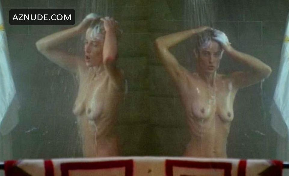 Julie Michaels  nackt