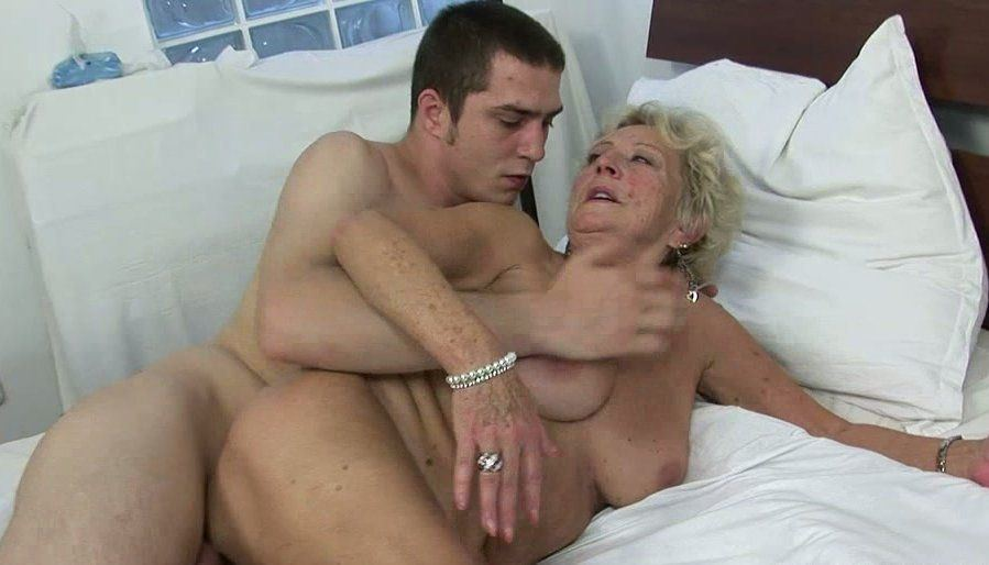 Granny boy nude photo