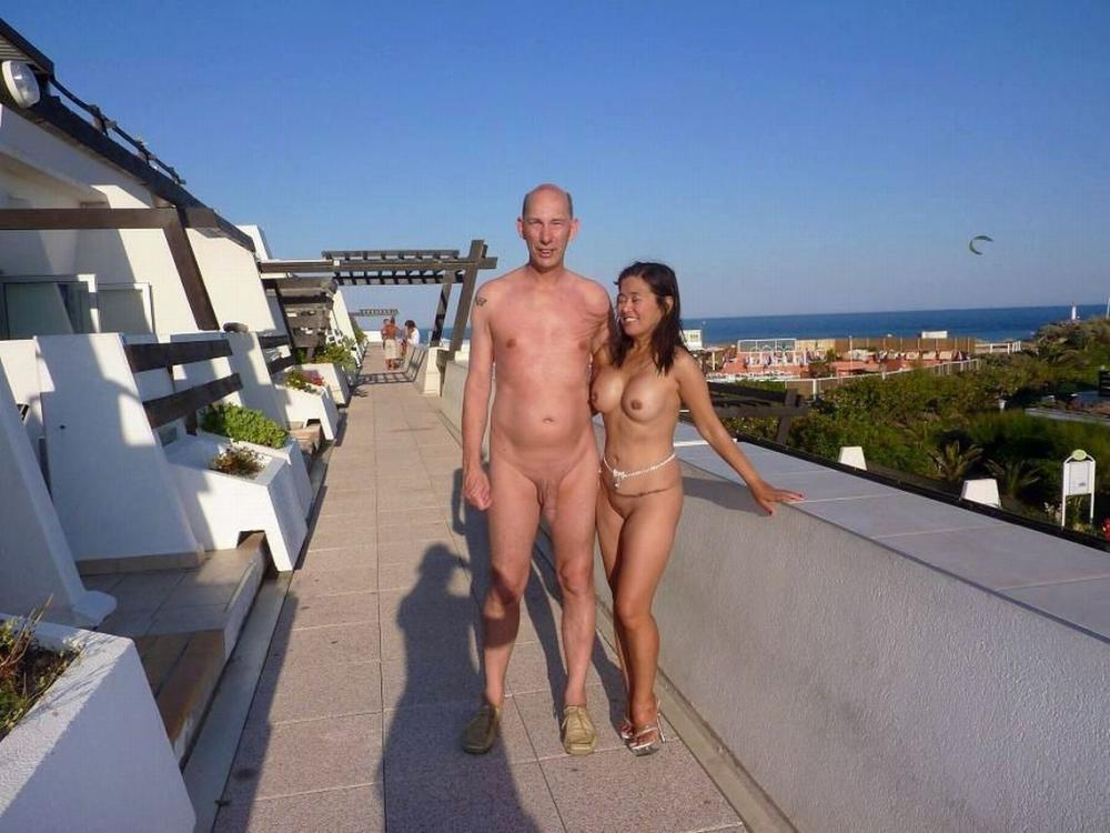 Moonflower reccomend Ebony in pink bikini by pool