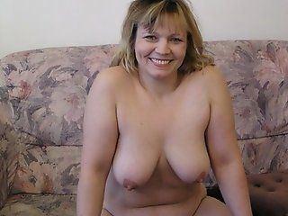 Mature amateur moms posing nude