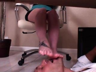 Rain D. reccomend feet under table
