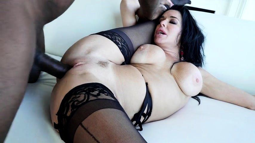 Protein reccomend Busty brunette milfs