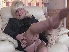 Marigold reccomend mature whore masturbate dick and facial
